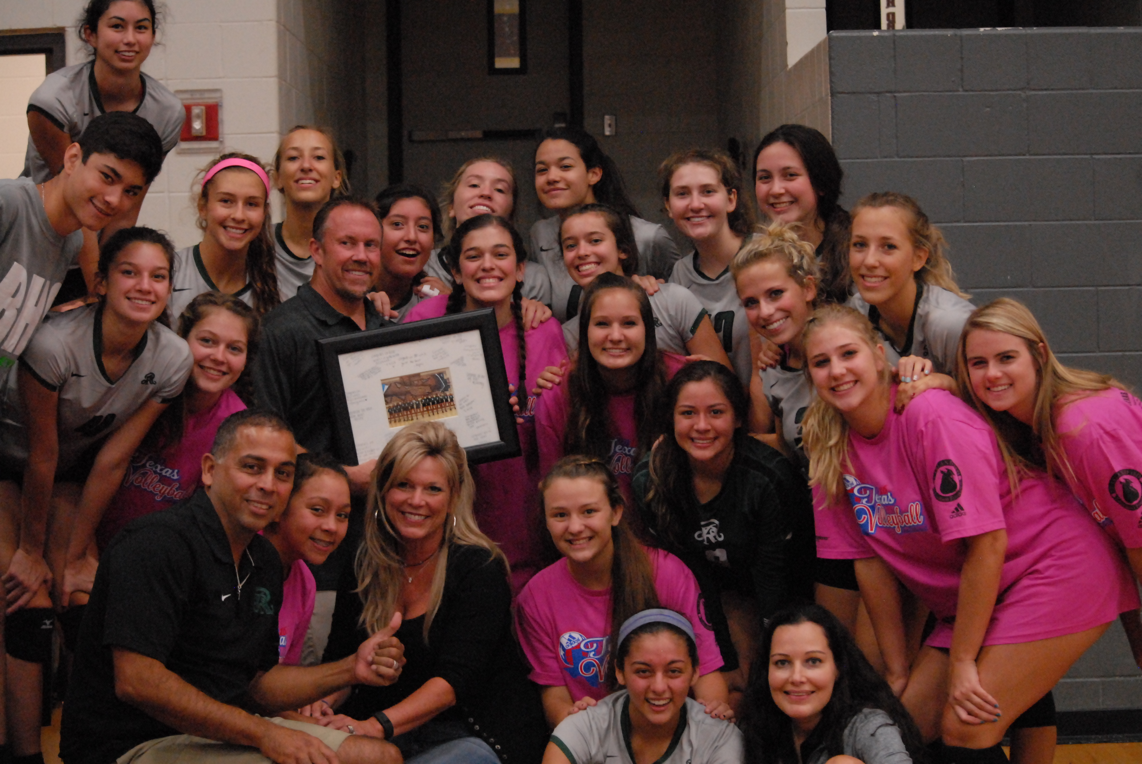 Carter's 800th win at Texas Volleyball Invitational